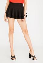 STYLE REPUBLIC - Flared Shorts Black