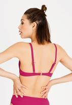 Jacqueline - Fuller Cup Bella Bikini Top Dark Pink
