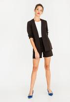 STYLE REPUBLIC - Structured Shorts Black