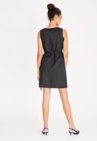 STYLE REPUBLIC - Basic Wrap Dress Black