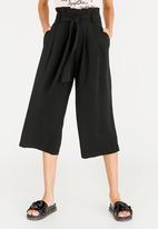 ONLY - Karolina Cropped Pants Black