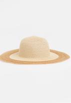 STYLE REPUBLIC - Contrast Wide Brim Sun Hat Beige