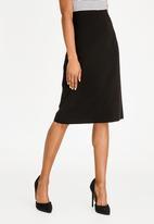 edit - Pencil skirt with back zip closure - black