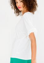 c(inch) - Frill Sleeve T-Shirt White