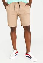 STYLE REPUBLIC - Raw Edge Skinny Leg Short Stone