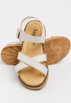 POP CANDY - Strappy sandal with buckle closure - white