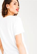 GUESS - Guess Rolled Sleeve 1981 Tee White