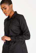edit - Classic button down shirt - black