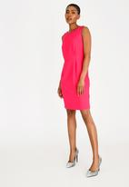 edit - Sleeveless pencil dress - pink