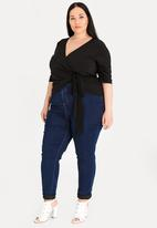 STYLE REPUBLIC PLUS - Volume Tie Wrap Top Black