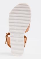 POP CANDY - Buckle Detail Sandal Tan