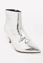 Footwork - Whish Kitten Heel Booties Silver