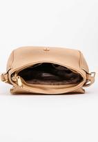 BLACKCHERRY - Sling Bag Nude