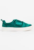 Footwork - Izza Satin Slip-On Sneakers Green