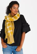 STYLE REPUBLIC - Reversible Check Scarf Yellow