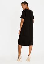 edit - Short Sleeve Column Dress with Chain Black