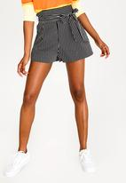 Forever21 - Belted Shorts Black and White