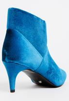 Cherry Collection - Pointed Ankle Boots Turquoise