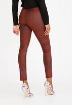 c(inch) - Suede Like Zip Detail Pants Burgundy