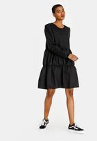 STYLE REPUBLIC - Tier Volume Dress Black