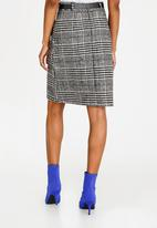 STYLE REPUBLIC - Belted Skirt Black