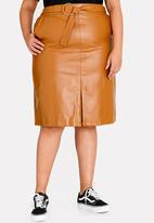 STYLE REPUBLIC PLUS - PU Skirt Camel