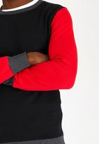 STYLE REPUBLIC - Block Contrast Sweatshirt Black