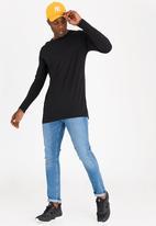 STYLE REPUBLIC - Swagger Longer Length Tee Black