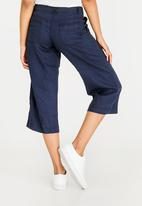 edit - Capri Linen Blend Pants Navy
