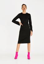 STYLE REPUBLIC - Ruched Sleeve Dress Black