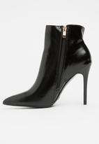 Dolce Vita - Sydney Ankle Boots Black