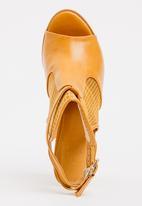 Dolce Vita - Girona Slingback Heels Tan