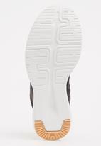 863b696c81526 Reago Pulse Sneakers Grey Reebok Trainers