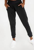adidas - Stadium pants - black