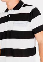 STYLE REPUBLIC - Wide Stripe Golfer Black