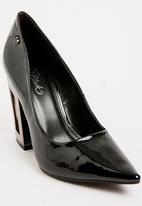 Miss Black - Storm Court Heels Black