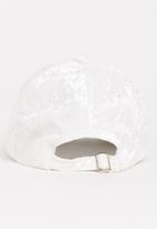 POP CANDY - Velveteen Cap White