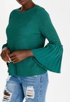 Revenge - Pleated Bell Sleeve Knit Green