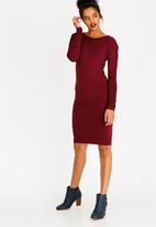 edit - Ruched Sleeve Dress Burgundy