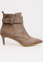 STYLE REPUBLIC - Buckle Detail Boots Taupe