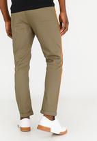 Resist - Straight Leg Chino Khaki Green