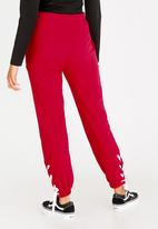 STYLE REPUBLIC - Lace-up Jogger Red