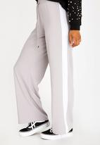 c(inch) - Racing Stripe Pants Grey