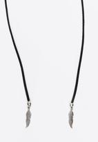 Jewels and Lace - Feather Wrap Choker Black