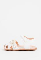 POP CANDY - Flower detailed with velcro strap closure sandal - white