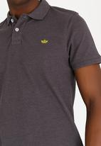 STYLE REPUBLIC - Crown Piquet Golfer Dark Grey