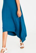edit - Sleeveless cacoon dress - blue