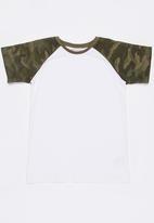 MINOTI - Army Raglan Print Camo Tee Off White