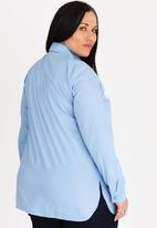STYLE REPUBLIC PLUS - Basic Shirt-Blue