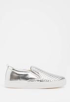 Madison® - Zaci metallic detail slip-ons - silver